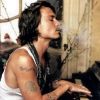 k0m4atka: (Johnny Depp plays the piano)