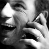 quinntaessentia: (Happy on phone)