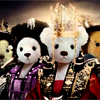 shati: TEDDY BEAR version of the queen seondeok group photo. (Default)