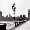 jaxadorawho: (Travel ☆ London England ~ B&W)