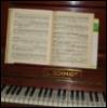 osmie: (Piano)