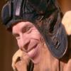 katta: The character Porridge from Doctor Who, smiling. (DW Porridge smile)