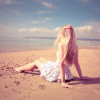 alauneras: (Beach Girl)