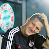 foreverinblue: (basti, headscratch)