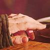 poderatraepoder: (Jaime&Brienne Hands)