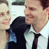 vorpal: Brennan & Booth from Bones grinning at each other <3 (Brennan & Booth)