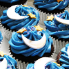 clockwrkheart: Blue Icing with Stars and Moons Cupcakes (blue stars)
