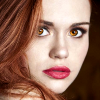 clawsandprada: (gold eyes)