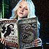 aethel: (luna reads)