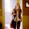 apocalypsos: (i'm walking in the doorway)