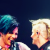 blue_soaring: (adam/tommy // giggly boys)