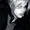 blue_soaring: (tommy // pretty vampy boy)