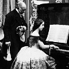 christabel_daae: (Le vieux piano)
