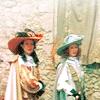 idontlikegravy: (amanda & becca)