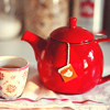 frith_in_thorns: Red teapot with a teacup (.Teapot)