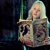 tehomet: (Luna reading)