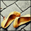jest: (shoes yellow)