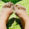tmcg: (sandy feet)