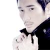 needsteaplz: (Kenichi - collars up)