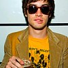 littlemousling: Picture of Brendon Urie holding a drink (Brendon)