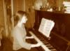 ksenia_suden: (за пианино)