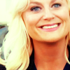 such_heights: a blonde woman smiling brightly (parks and rec: leslie [smile])