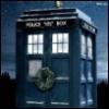 azalaisdep: The TARDIS with a Christmas wreath (tardis)