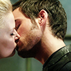 seekingcrocodile: (first date kiss)