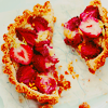 deumion: overhead shot of a strawberry pie, broken into pieces. (rough~)